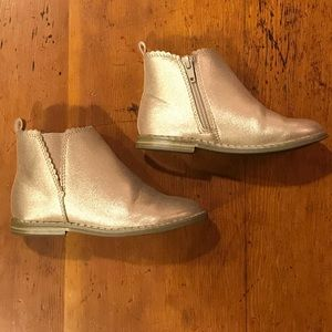 Toddler girls gold ankle boot
